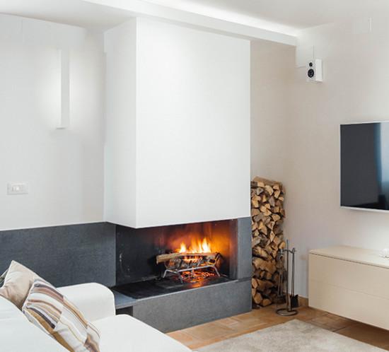 Casa_A+M. Living. Manuarino Architettura. Appartamento a Monte di Procida, Napoli. divano, camino, design, progettazione, architettura